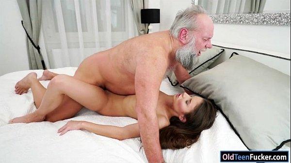 Incesto Com Avô Coroa E Neta Ninfeta Em Video Porno