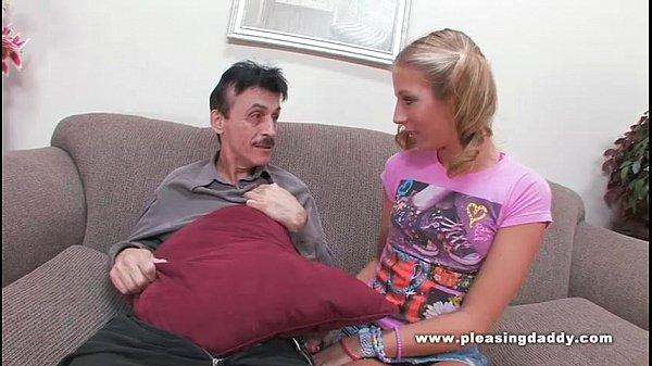 Video porno de incesto com velho tarado e neta