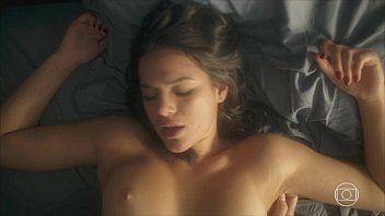 Video Bruna Marquezine nua em cena da novela