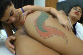 Amigas gostosonas lésbicas fazendo uma putaria no motel