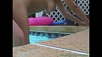 Comedor fudendo gostoso sua vizinha amadora na piscina