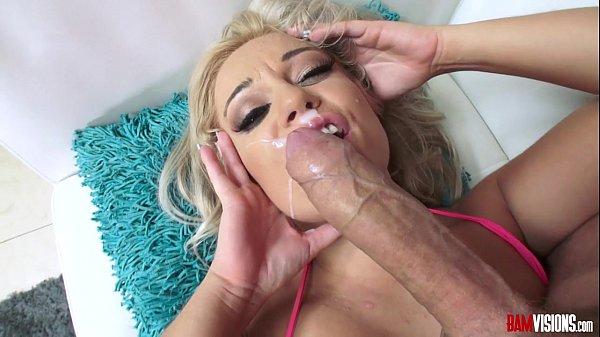 Gozada na boca e na cara depois do sexo