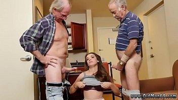 Video porno de incesto com neta fazendo sexo oral