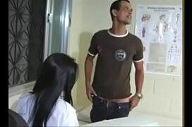 Medica safada Joyce Oliveira fudendo com paciente