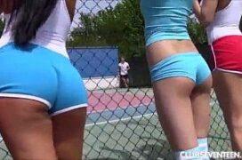 Novinhas torcedoras fudendo na quadra de tenis