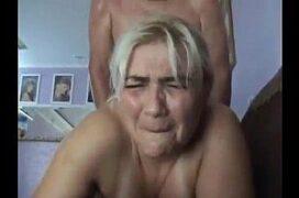 Coroa pedindo para o cara fazer sexo anal com ela